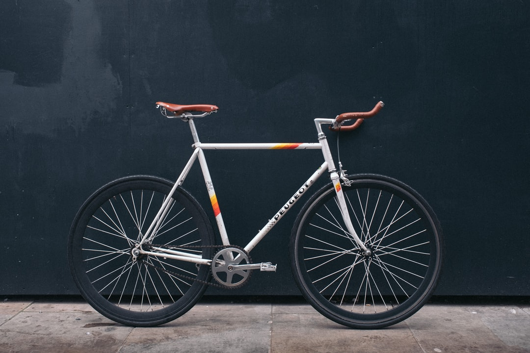 Best 20 bicycle pictures download free images on unsplash voltagebd Images