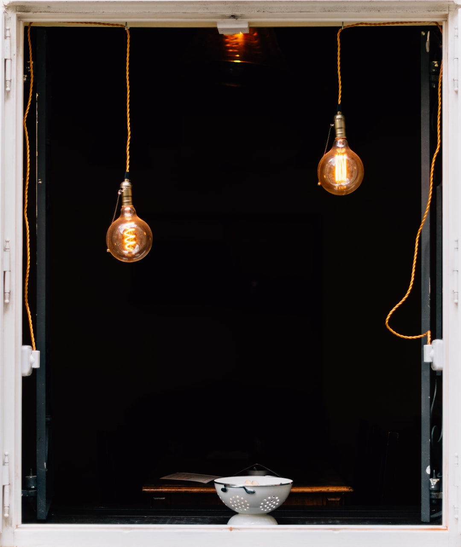 Lamp, window, colander and bowl HD photo by Roman Kraft (@romankraft) on  Unsplash