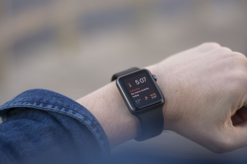 apple watch showing 5:07