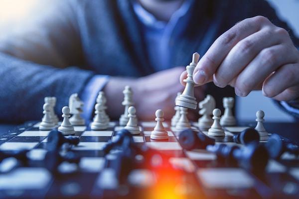 人下棋的景深摄影