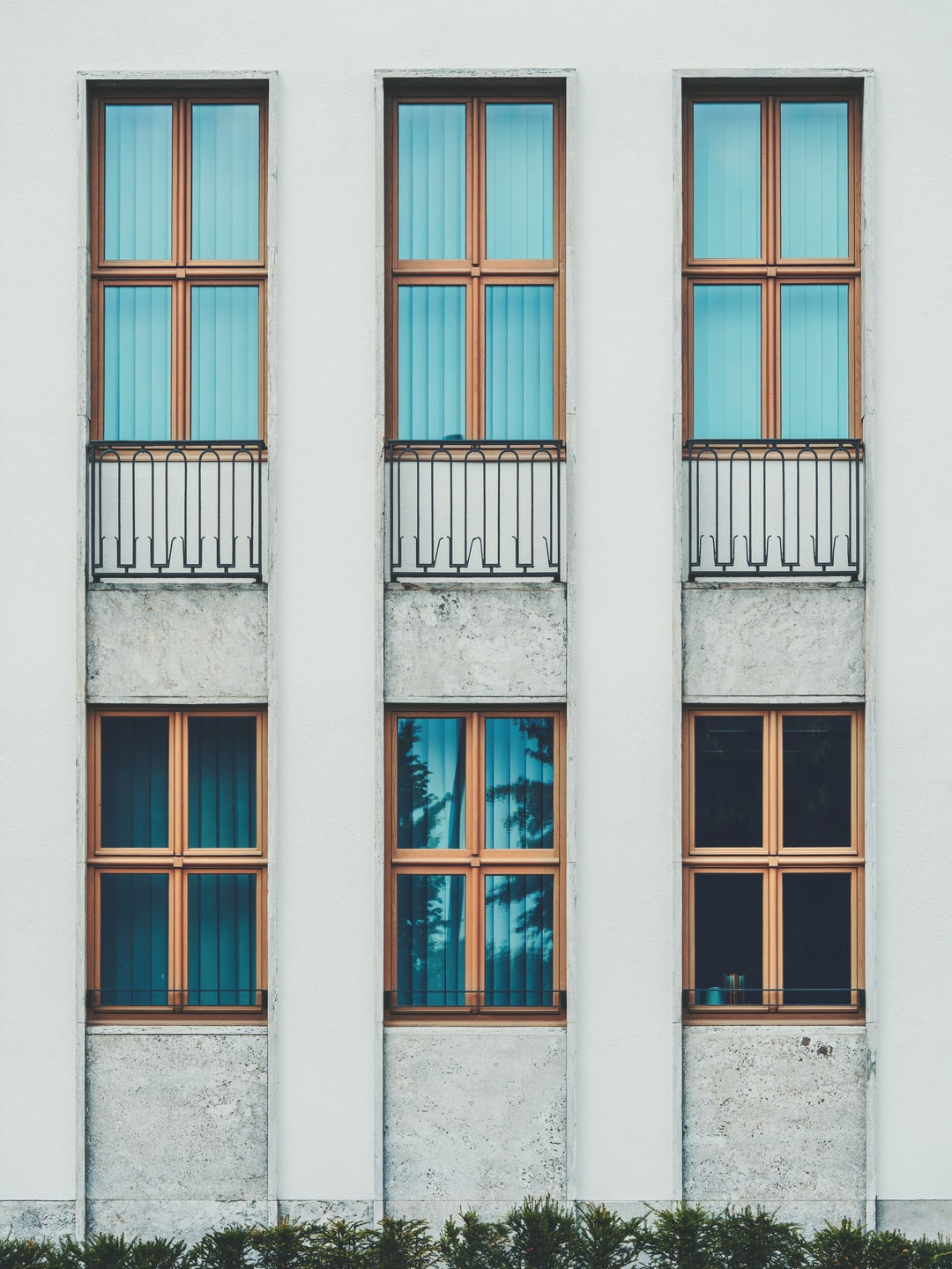 Window Frame Pictures | Download Free Images on Unsplash