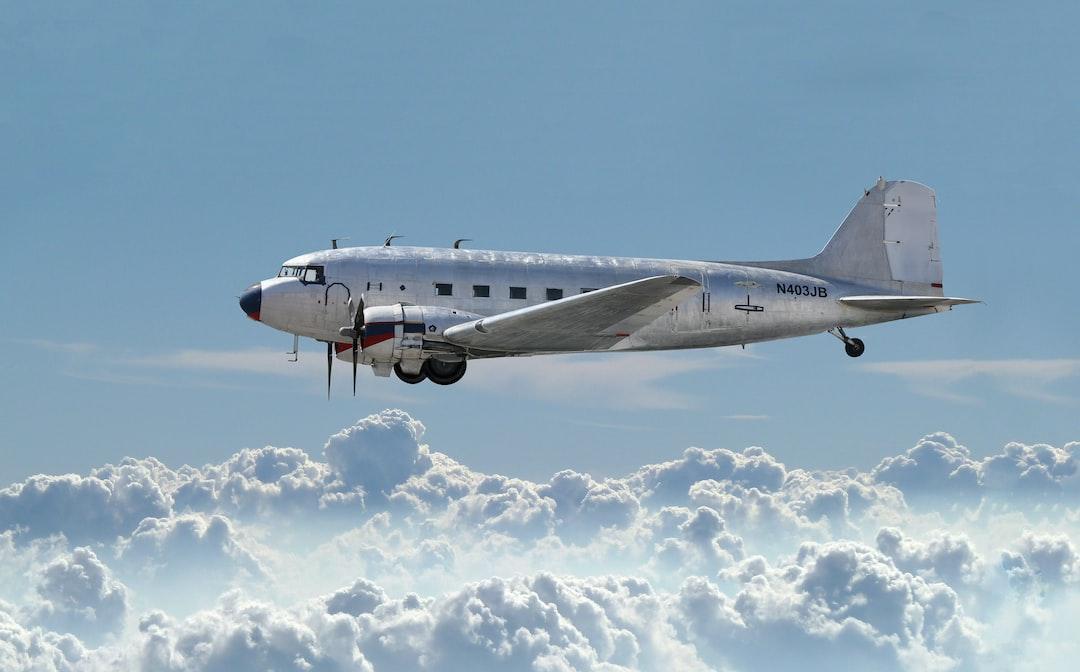 best 100 plane pictures hq download free images on unsplash