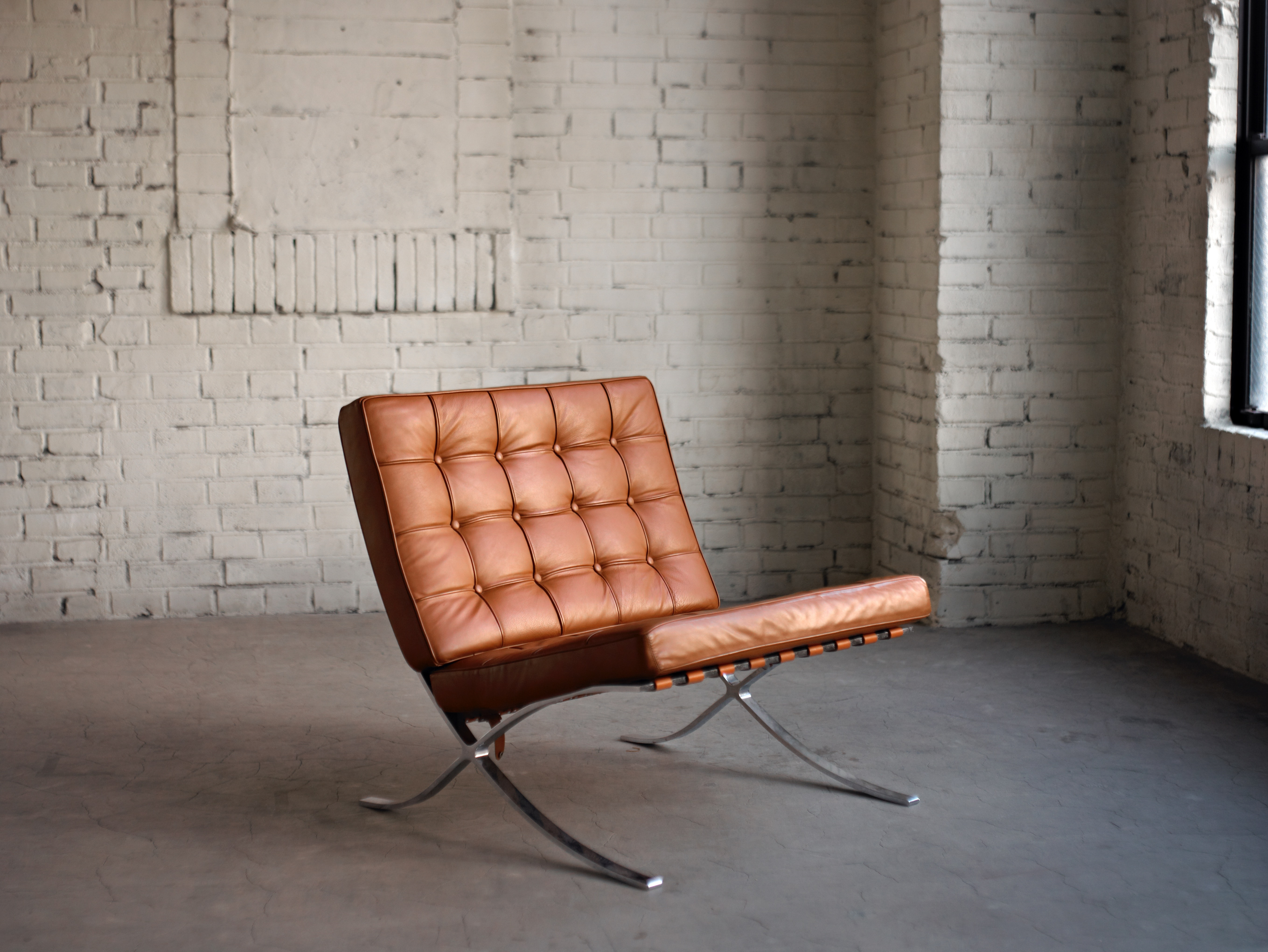 brown padded tufted chai