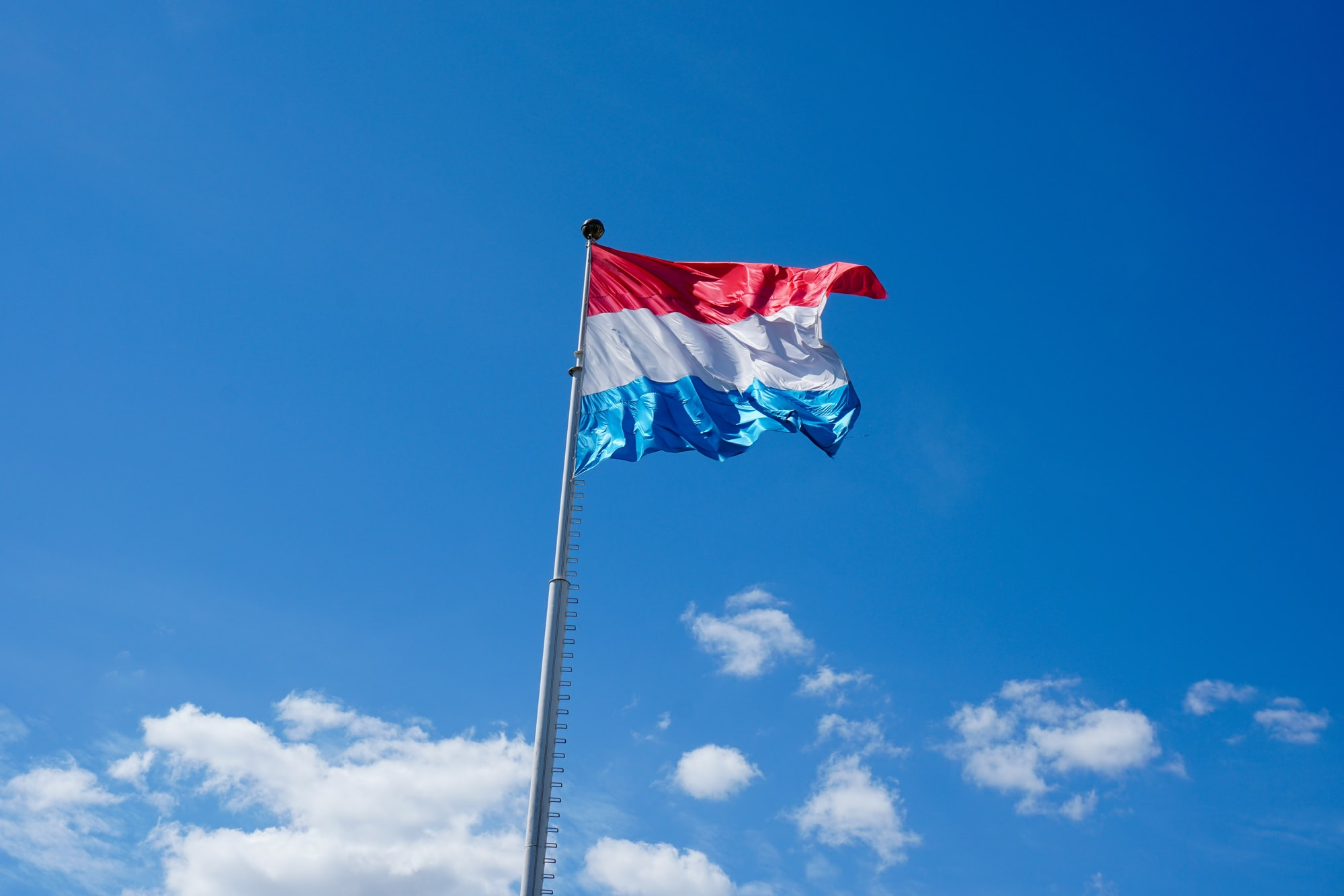 Luxembourg: Business Email Retention