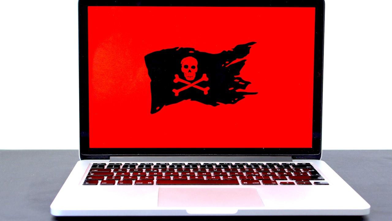 Image of pirate flag laptop