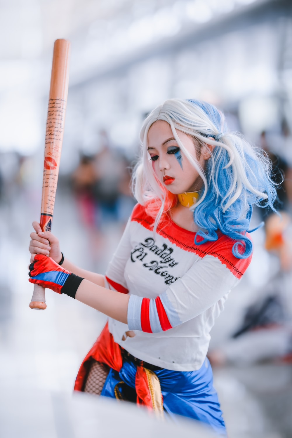 woman wearing harley quinn costume