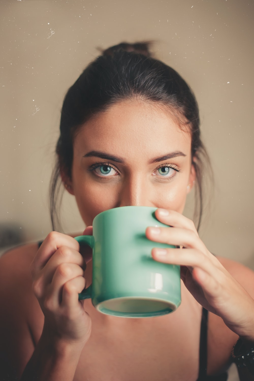 500+ Girl With Coffee Pictures   Download Free Images on Unsplash