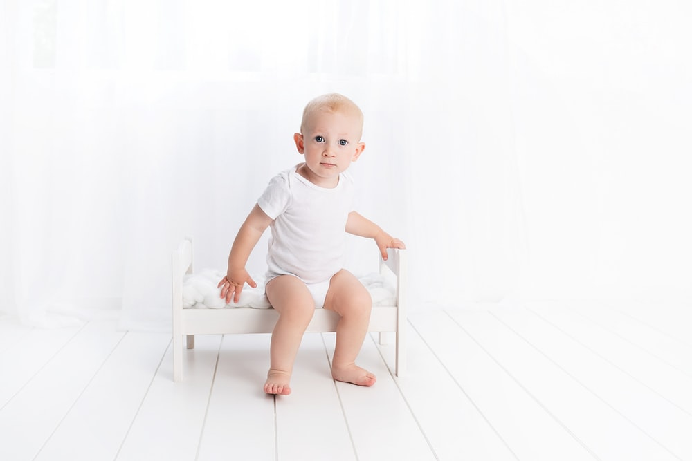baby's white crew-neck t-shirt