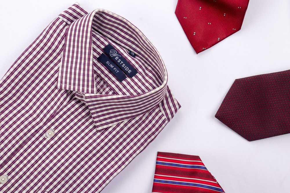 red and white plaid button-up shirt