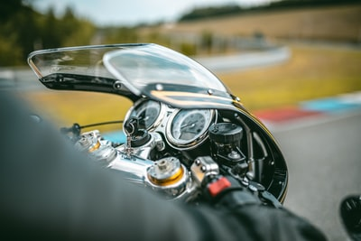 black motorcycle close-up photography