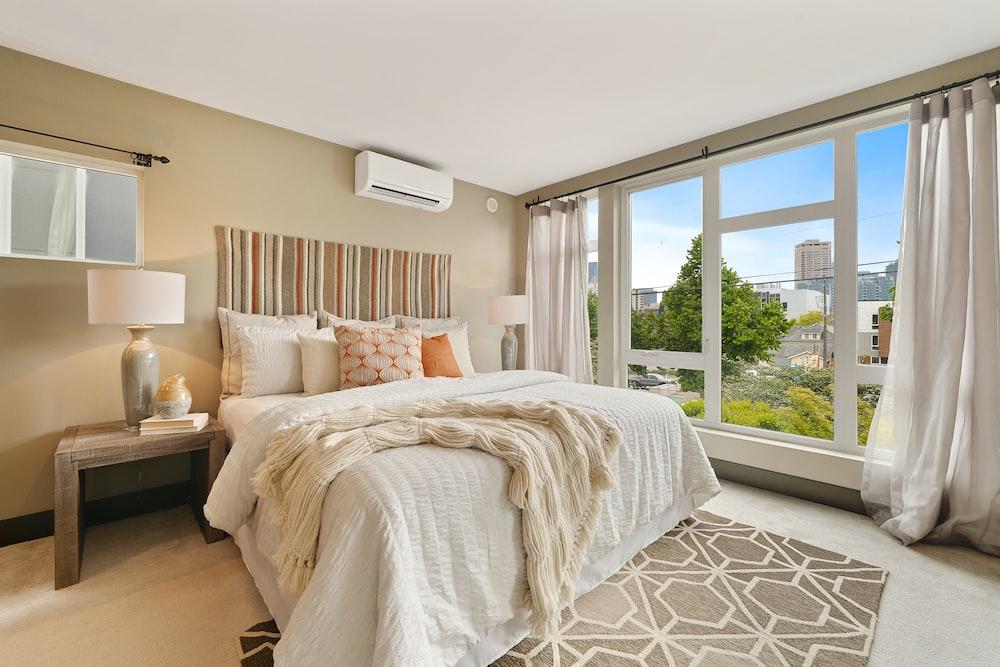 white bedding set