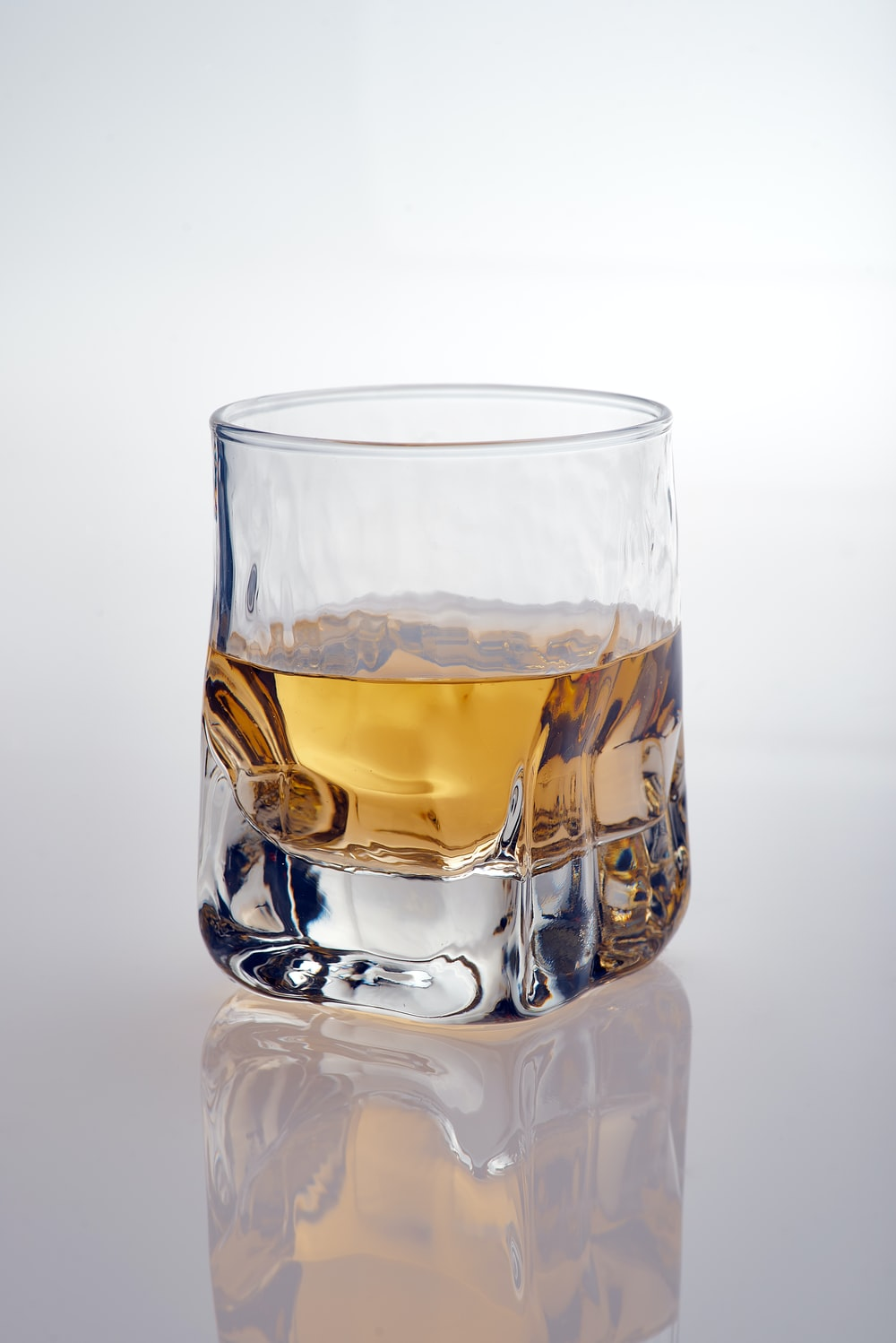 rockglass filled with liquor
