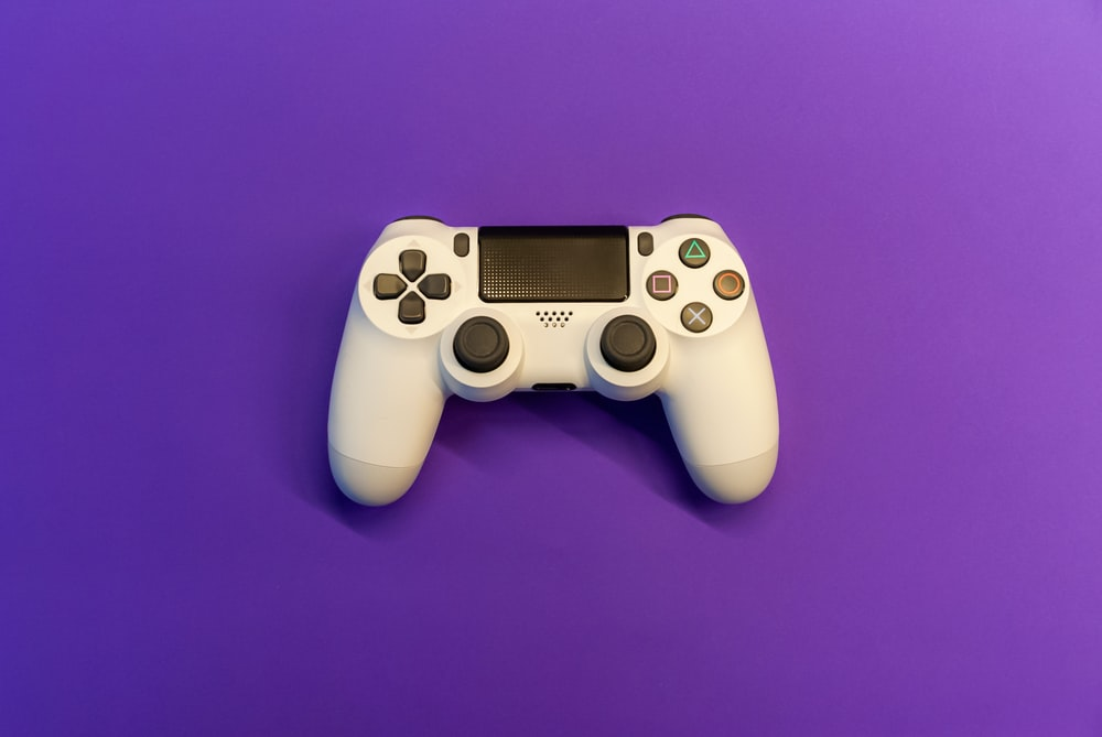 white sony ps 4 controller