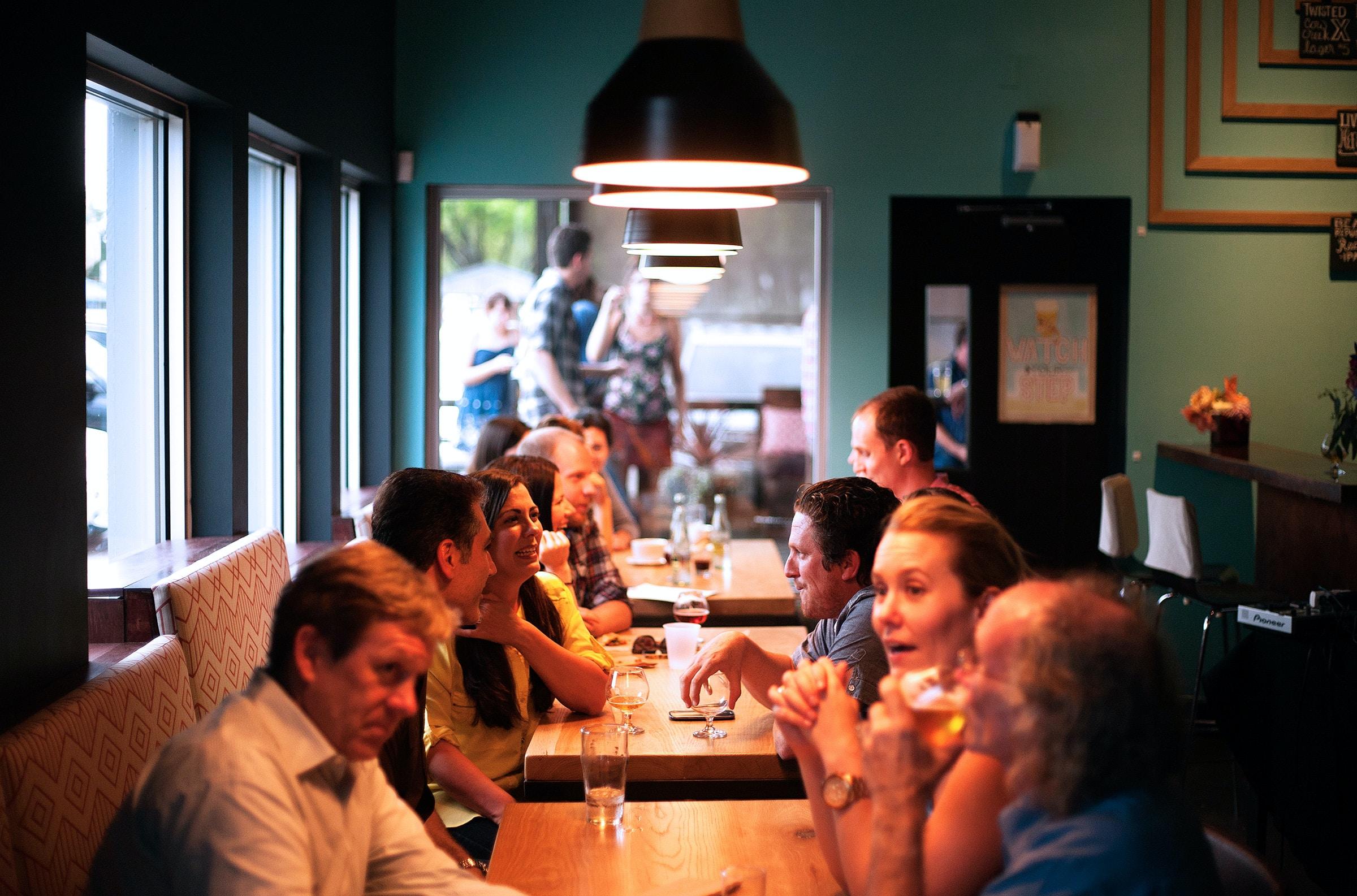 Organiser un super event en coworking : les afterworks et évènements