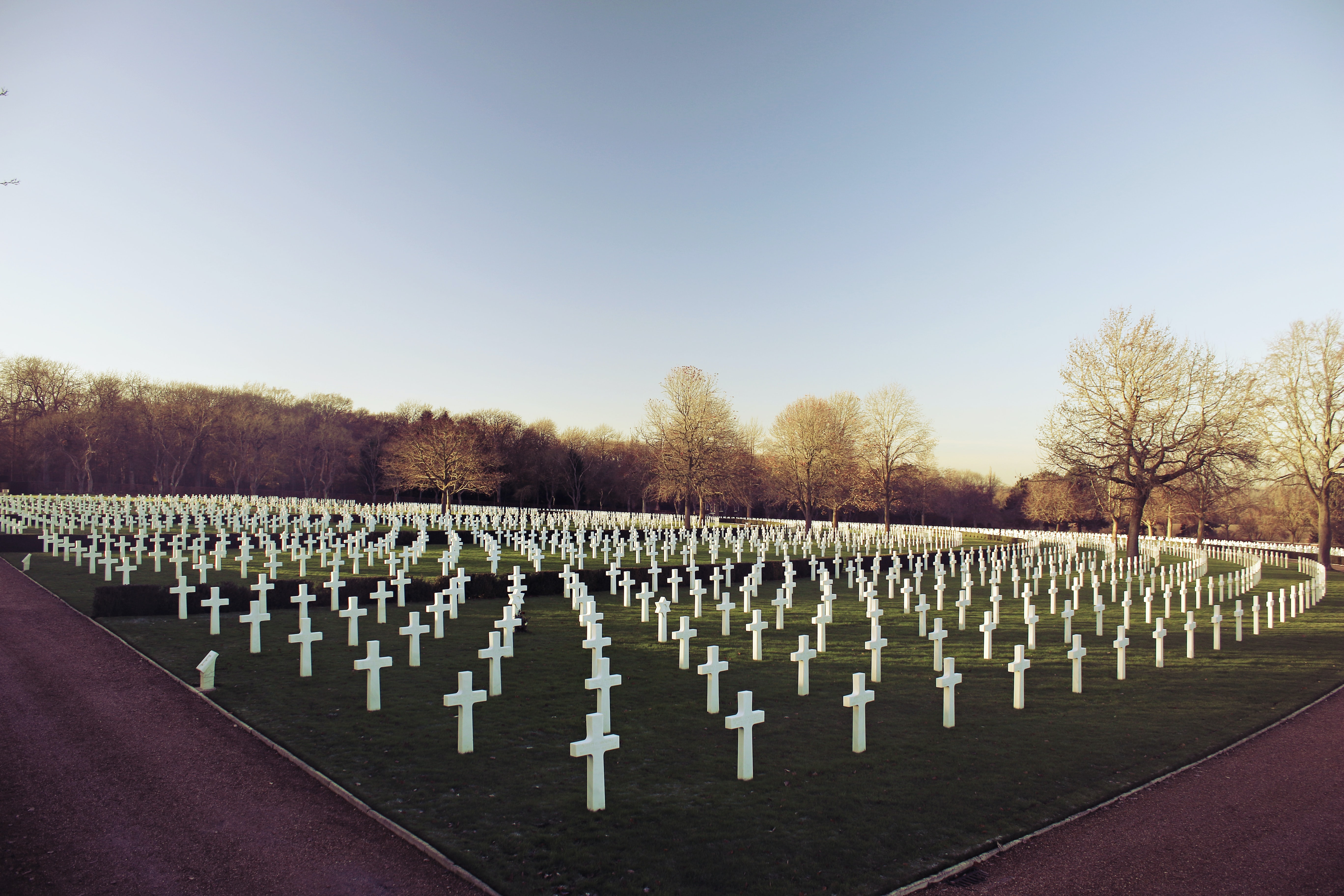 landscape photo of cemetery during daytime