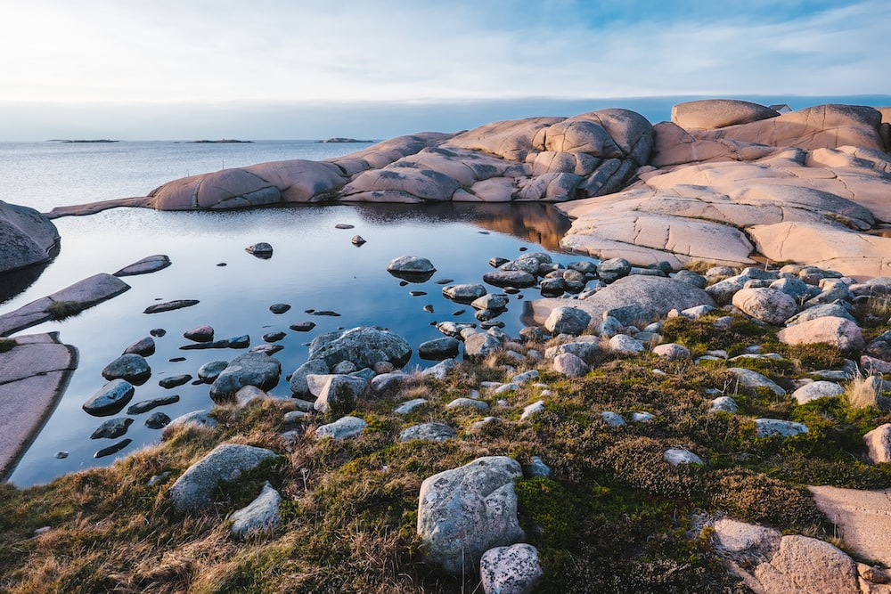 photography of sea and rocks