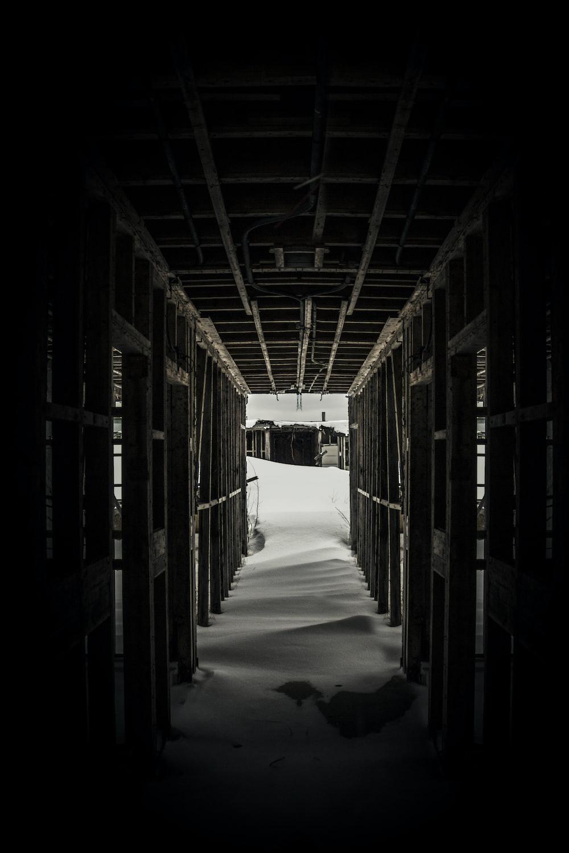 closeup photo of hallway