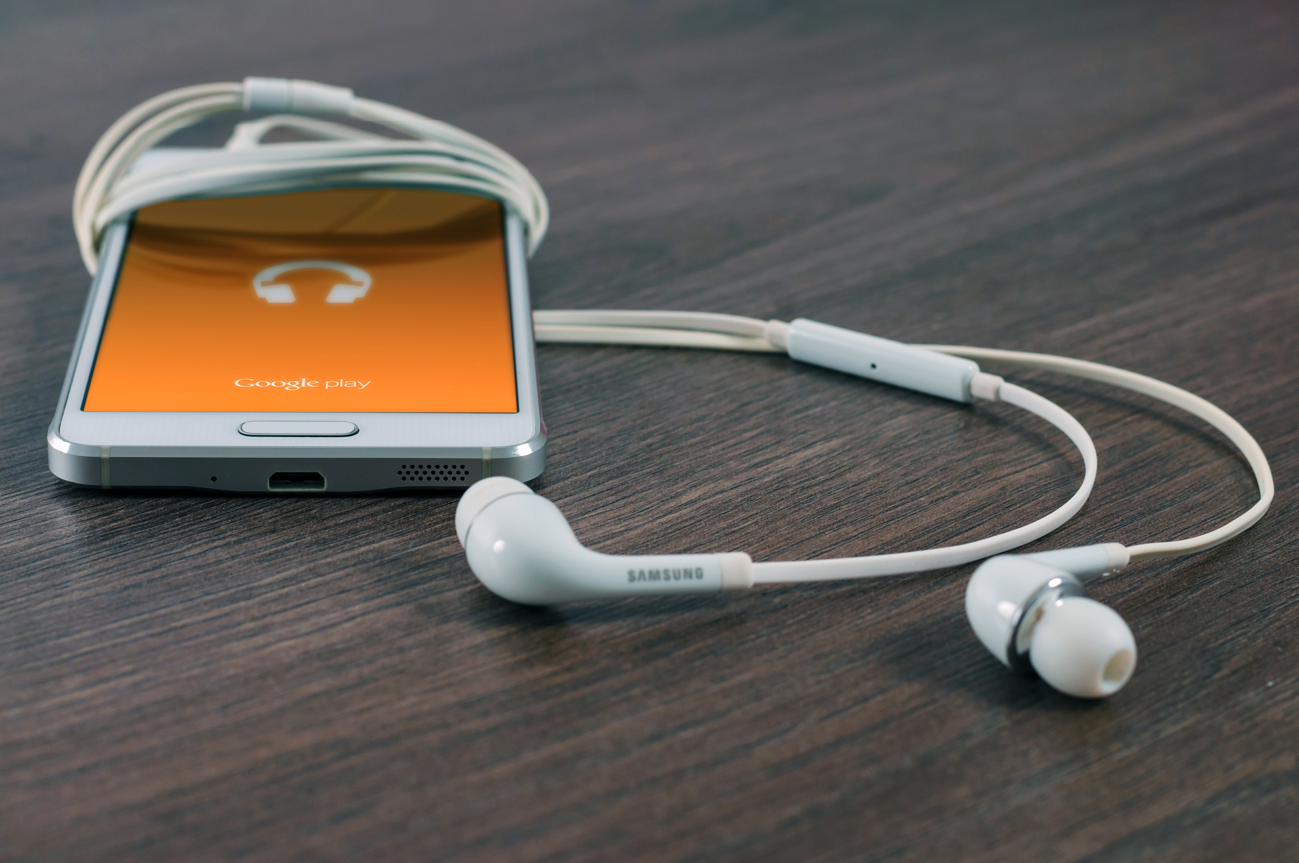 Taskuhäälingud ehk podcastid, mida kuulan.