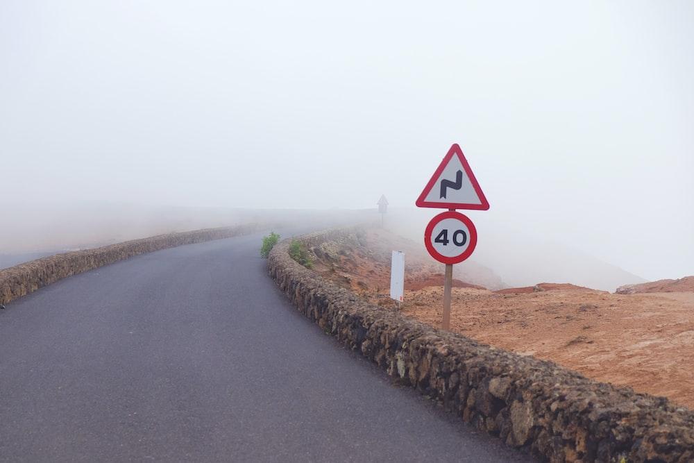 40 speed limit signage beside highway
