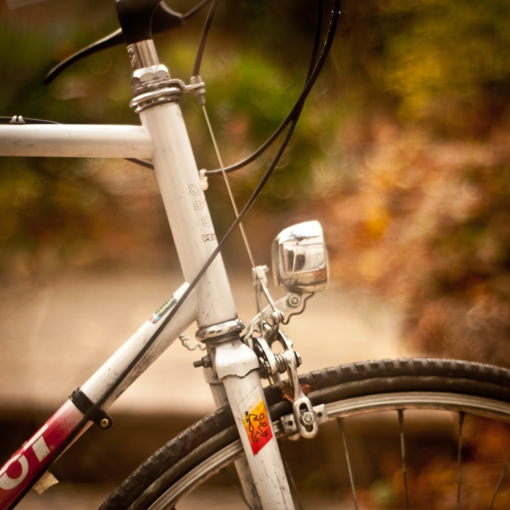white bike fork