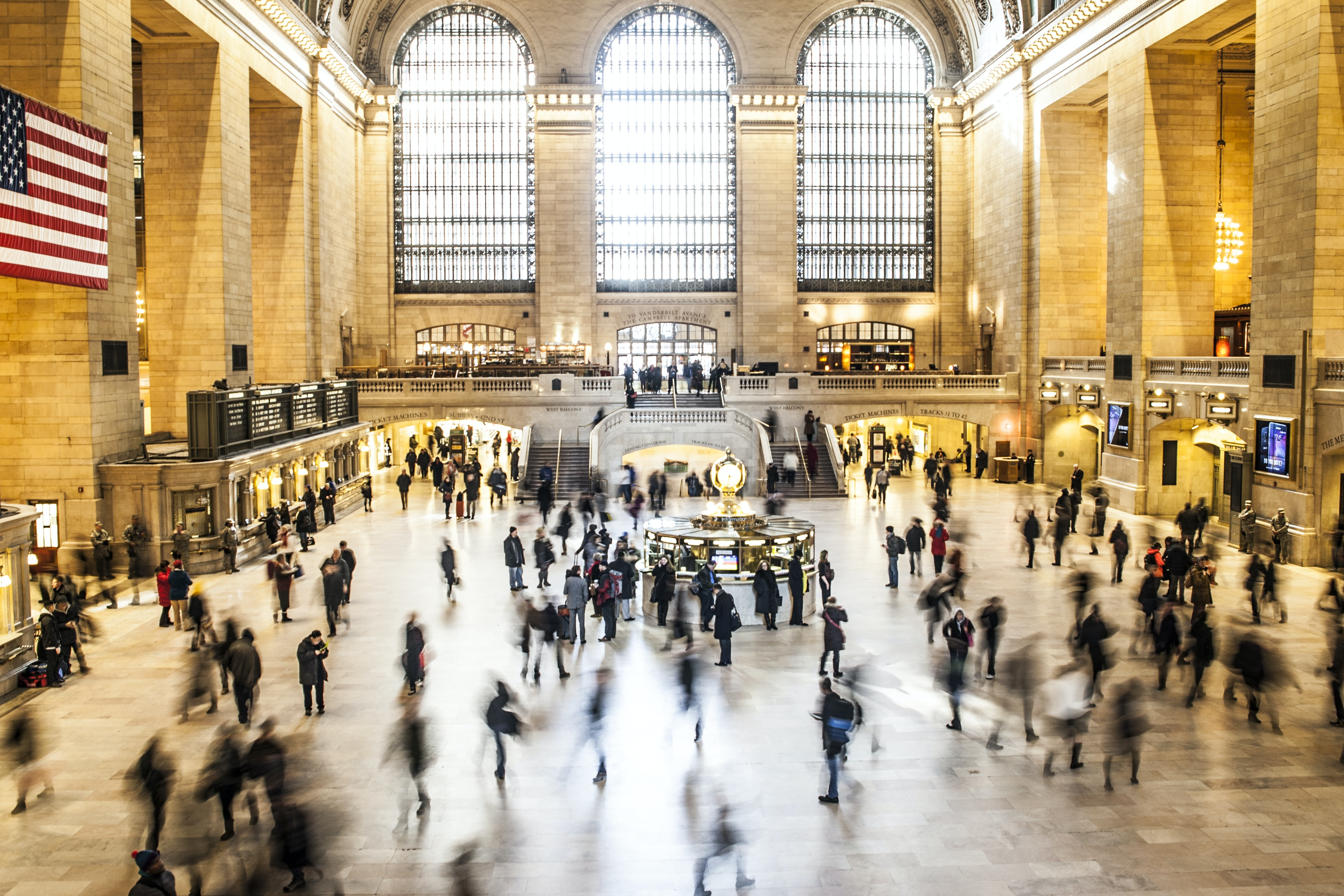 Foot traffic moving quickly around Grand Central train station in New York City