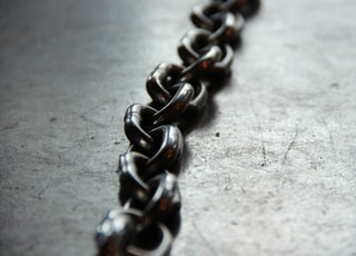 close up photo of chain