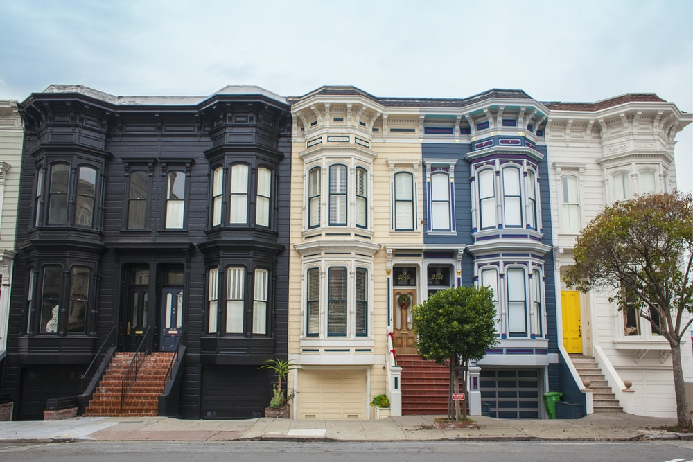 photo of black, white, and blue house