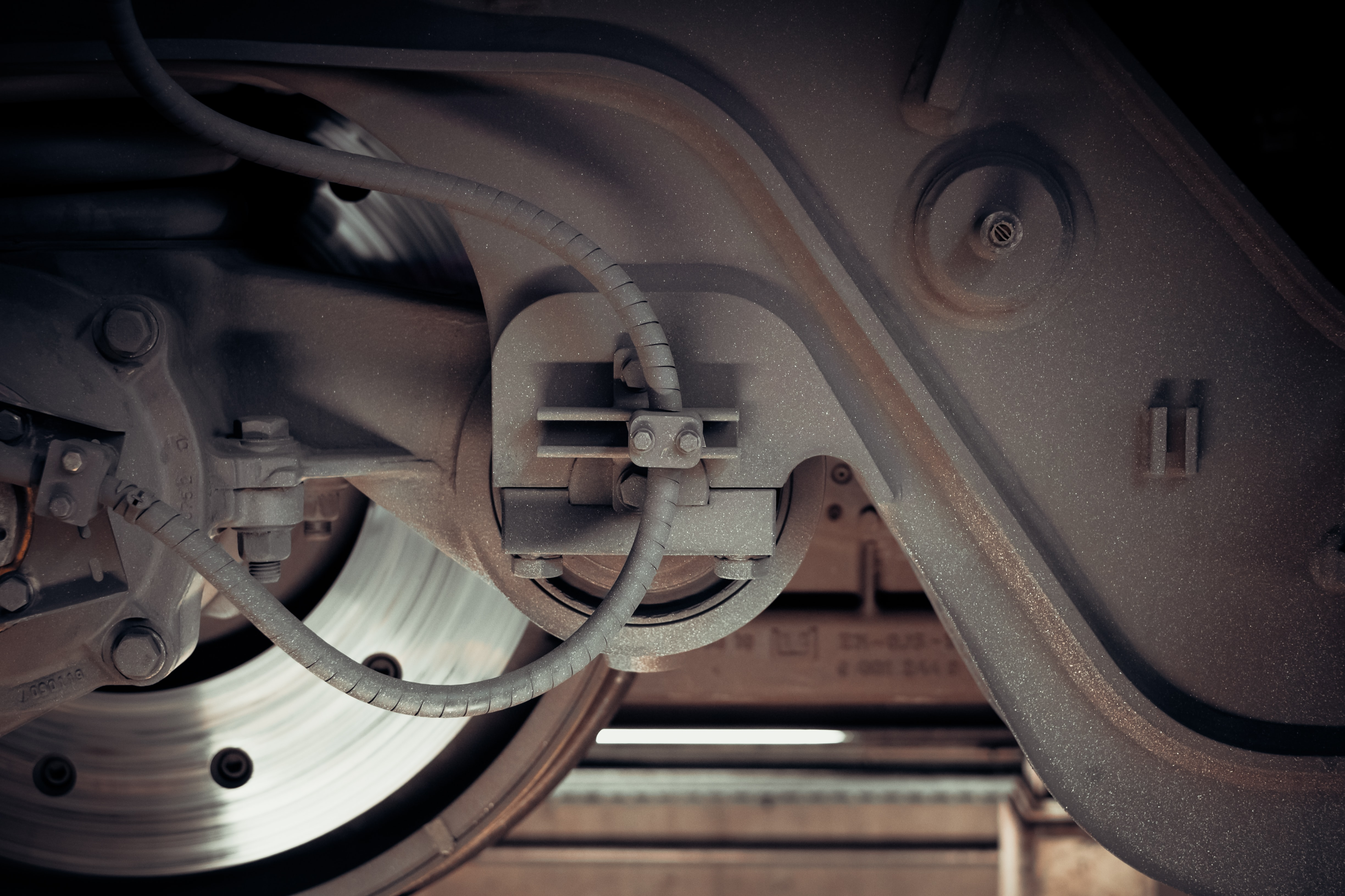 close-up photography of train wheels