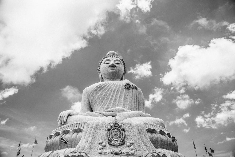 gray concrete Buddha statue