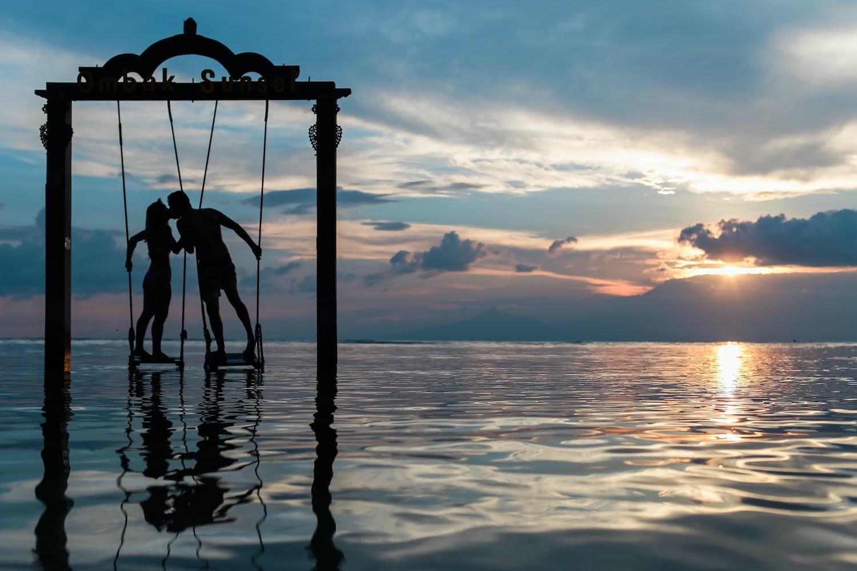 Пара на море