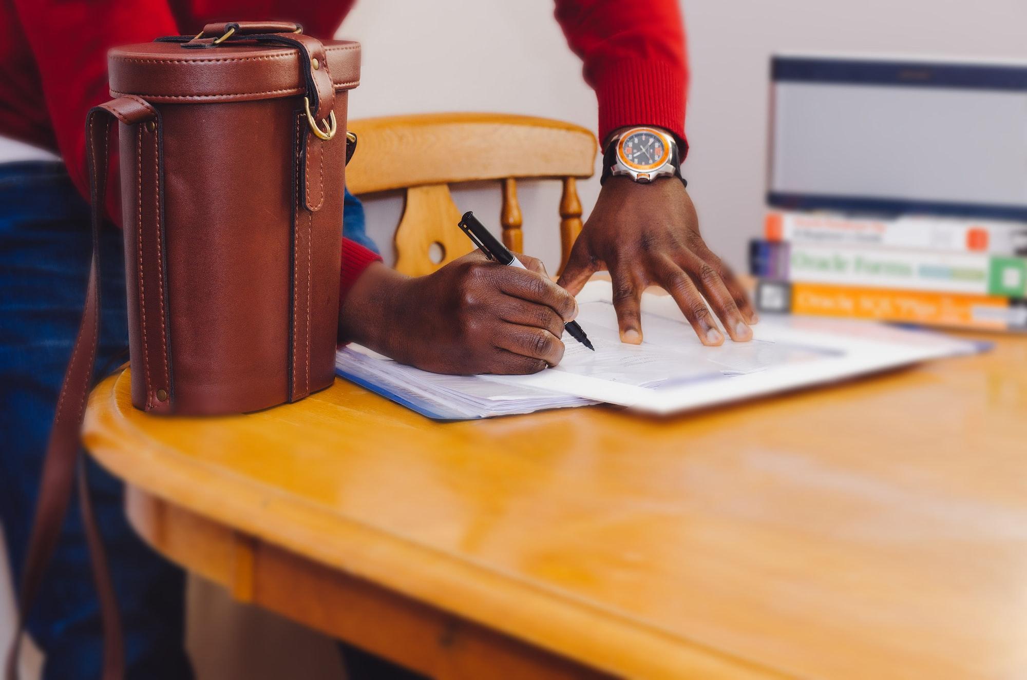 Dispensa de Alvará e Licenças para Microempreendedor Individual.