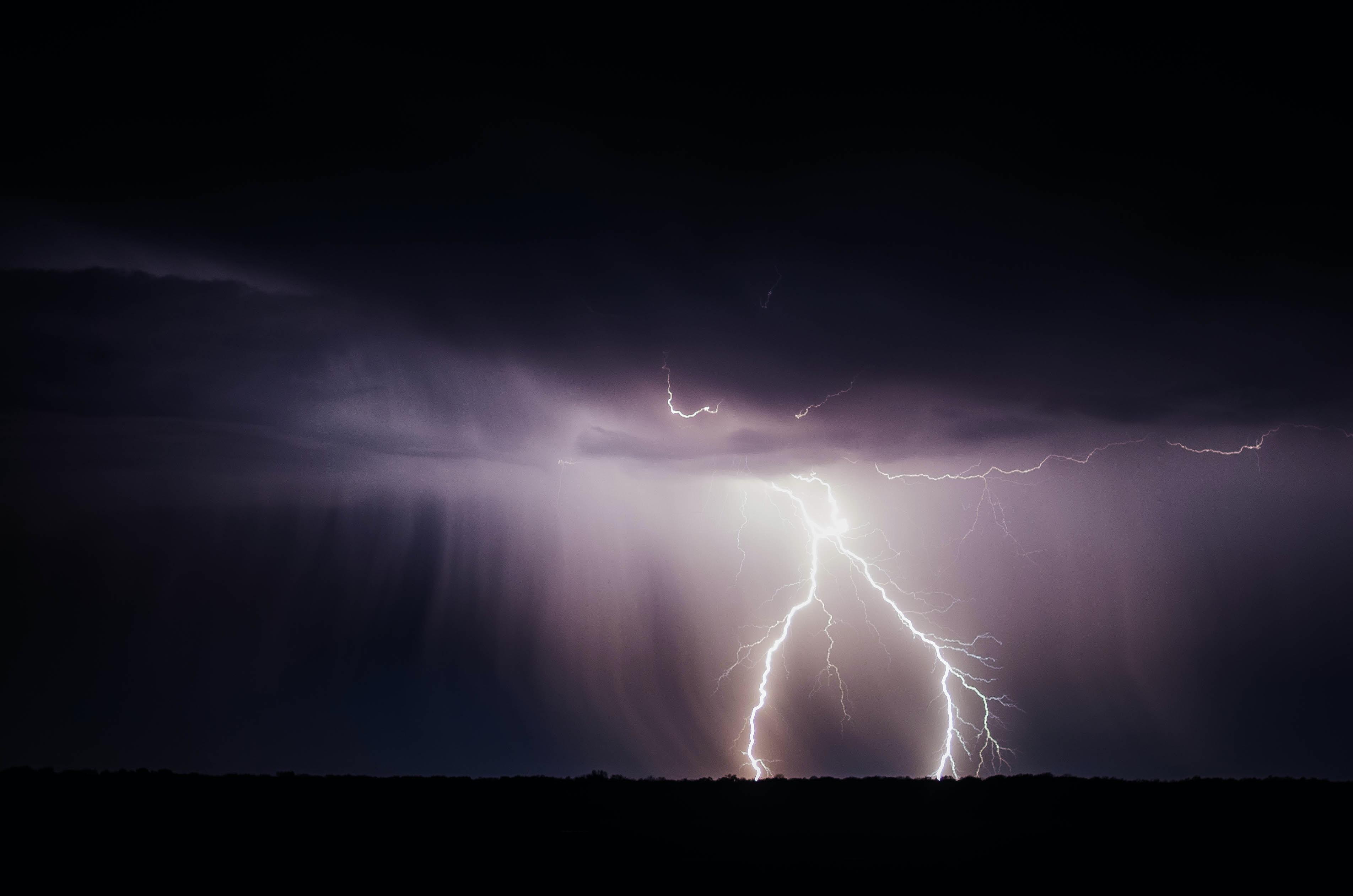 burza, czerń, literatura, Mickiewicz, Szekspir, magia, symbolika