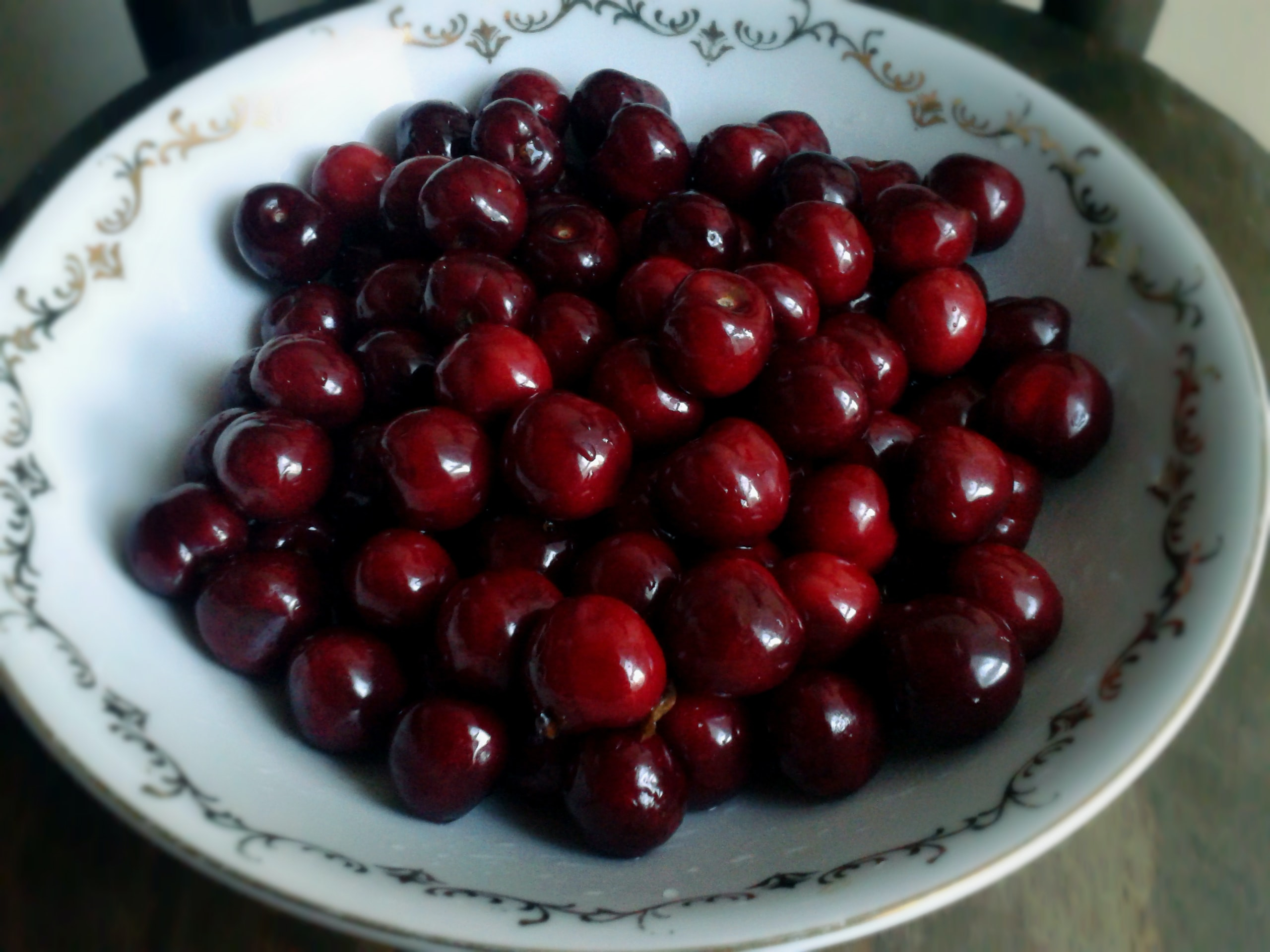A bowl of cherries.