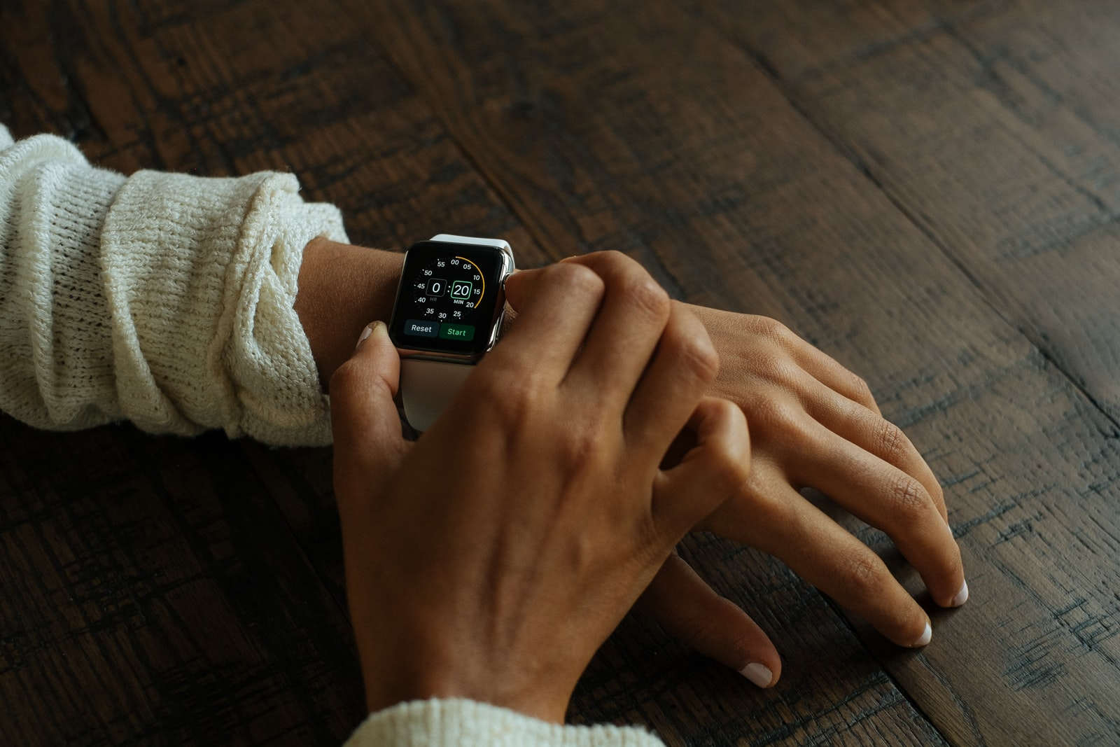 "Fujifilm X-Pro1 sample photo. ""Silver aluminum apple watch"" photography"