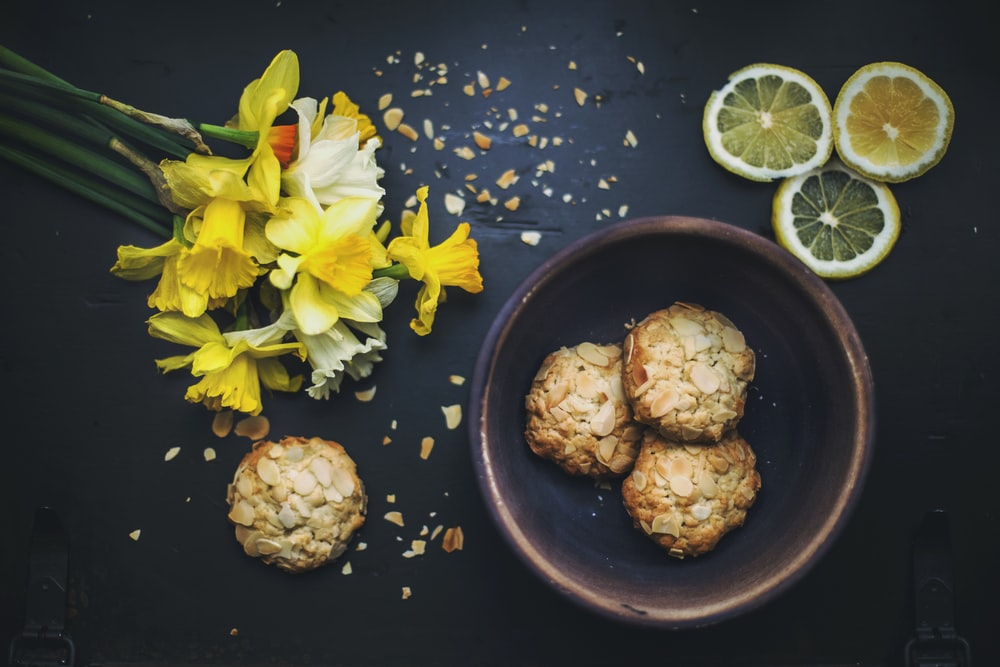 flat lay photography of cookies on bowl