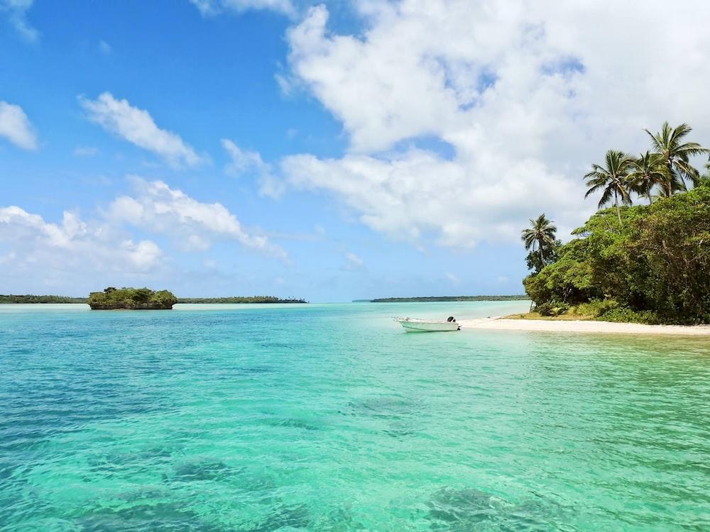 [Full HD] Ảnh nền biển cả siêu đẹp Photo-1437719417032-8595fd9e9dc6?ixlib=rb-1.2