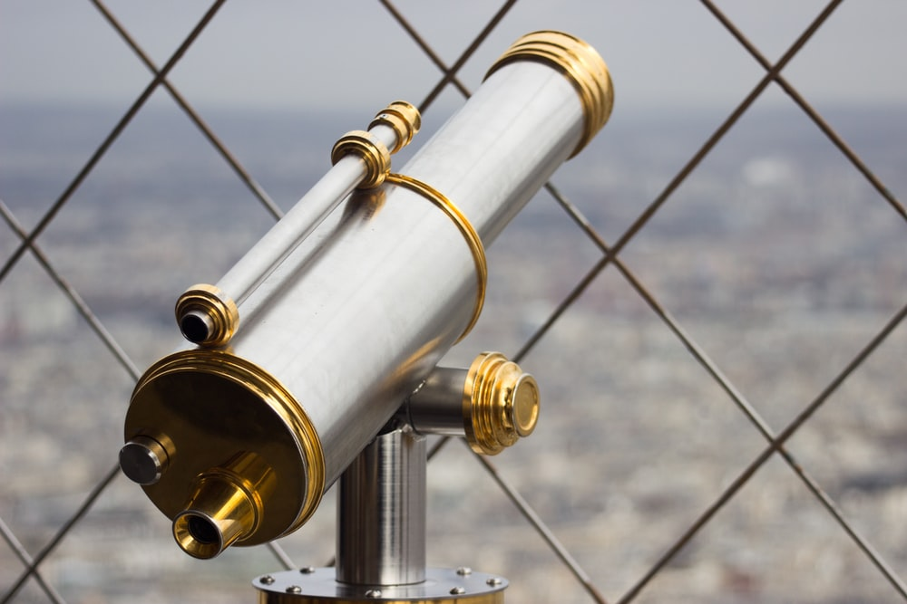 gray and gold recreational telescope