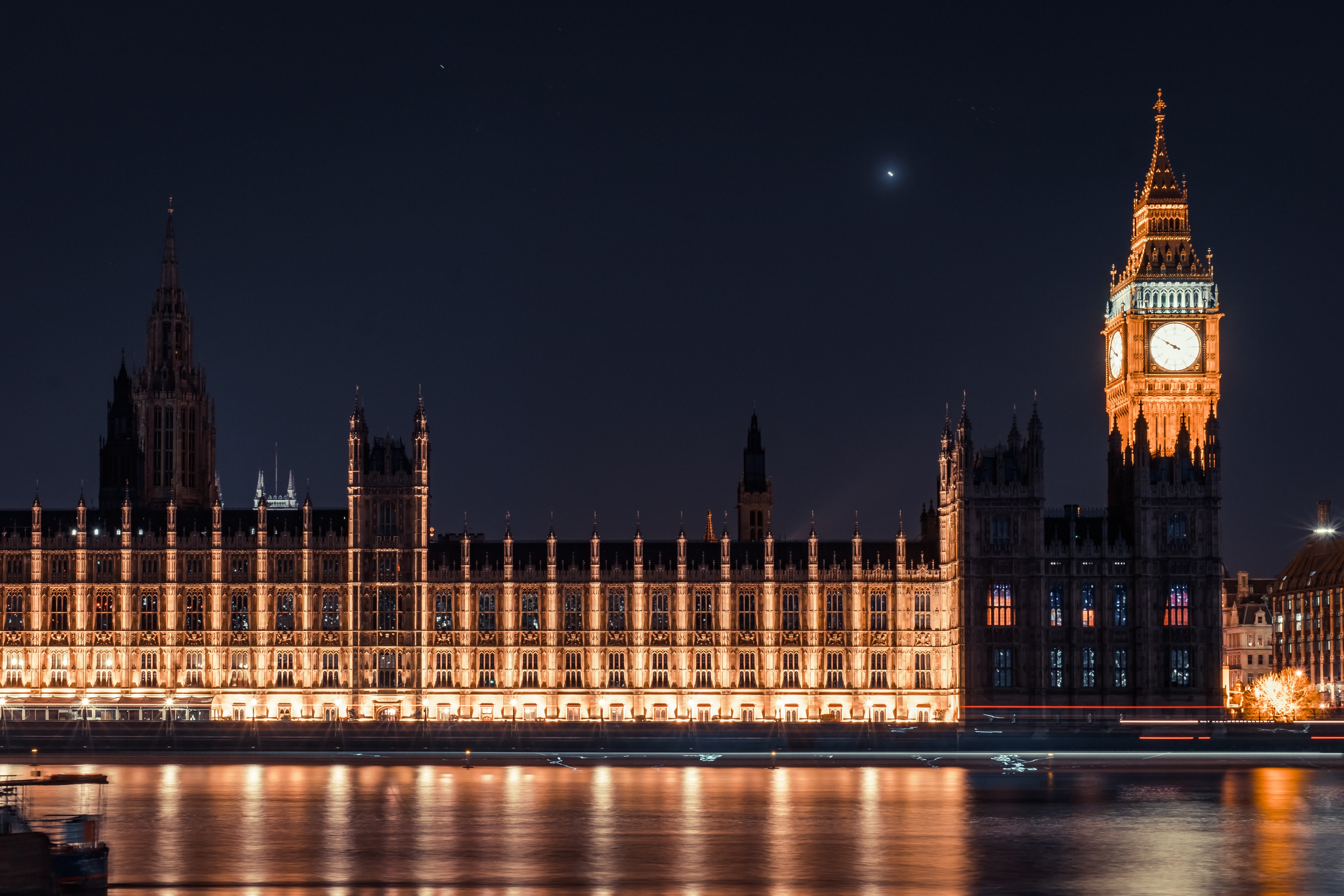 The Houses of Parliament and Big Ben in London lit up on an evening