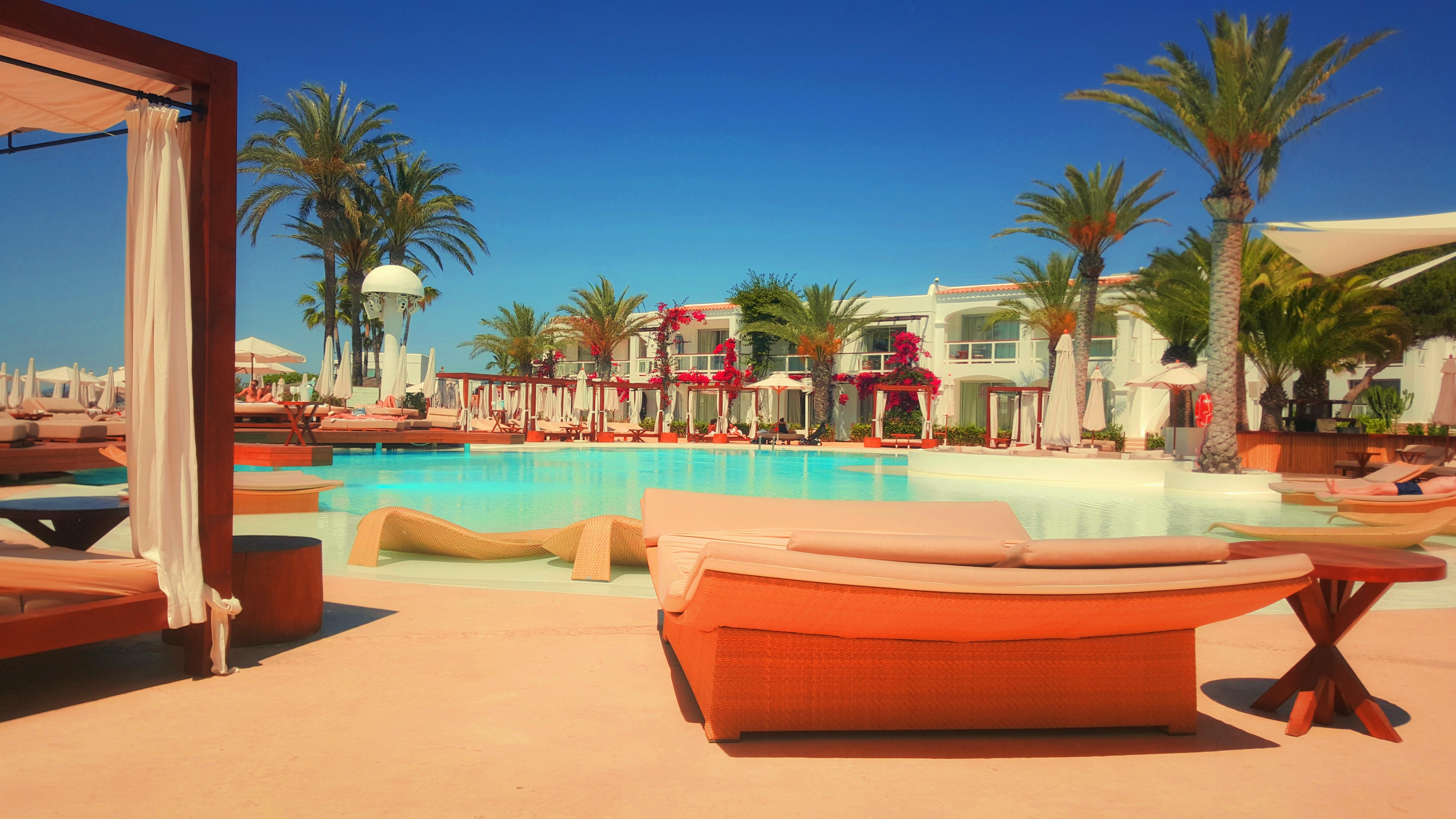 Hotel con pileta- Administración Hotelera-nota-viaedu