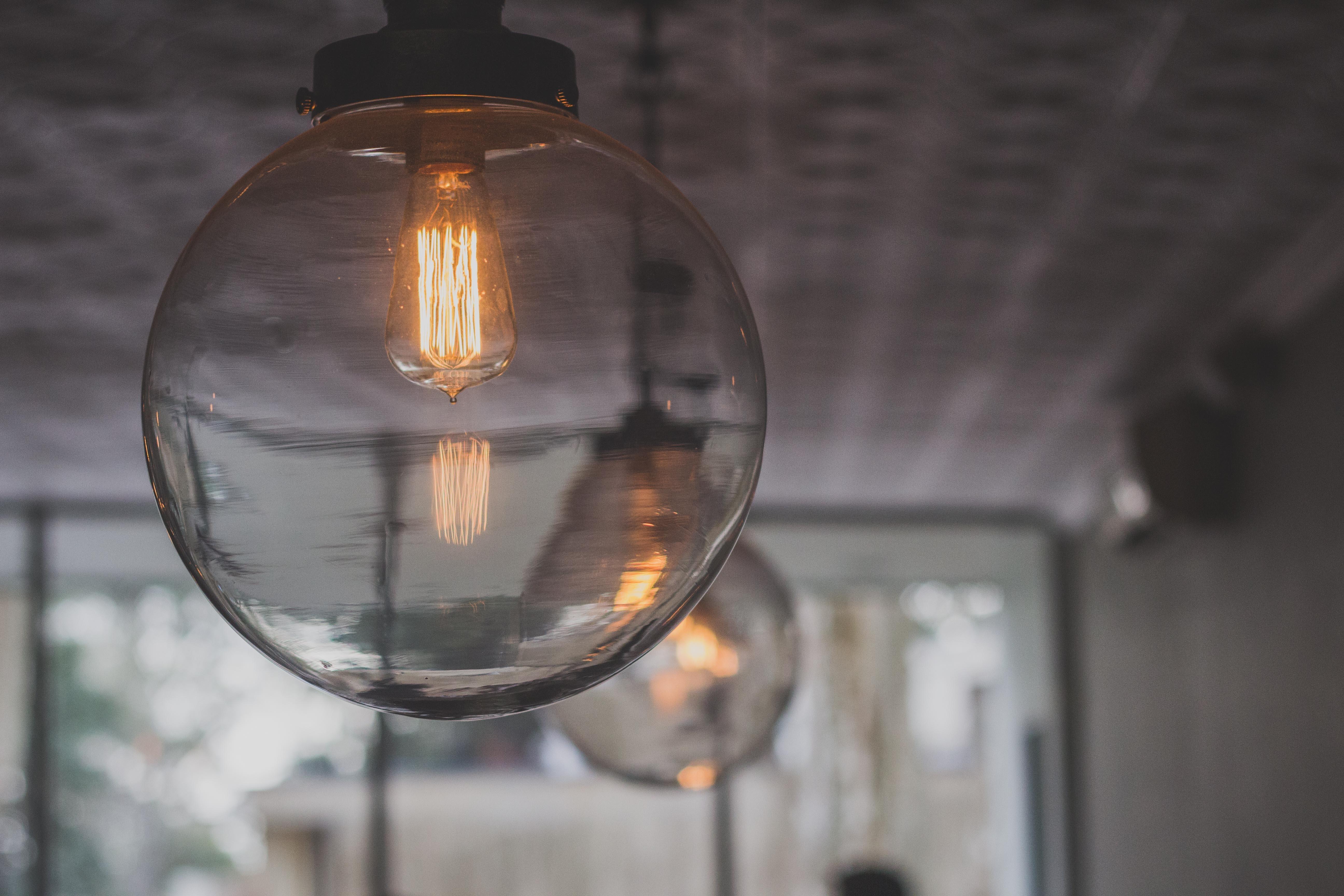 round clear light bulb