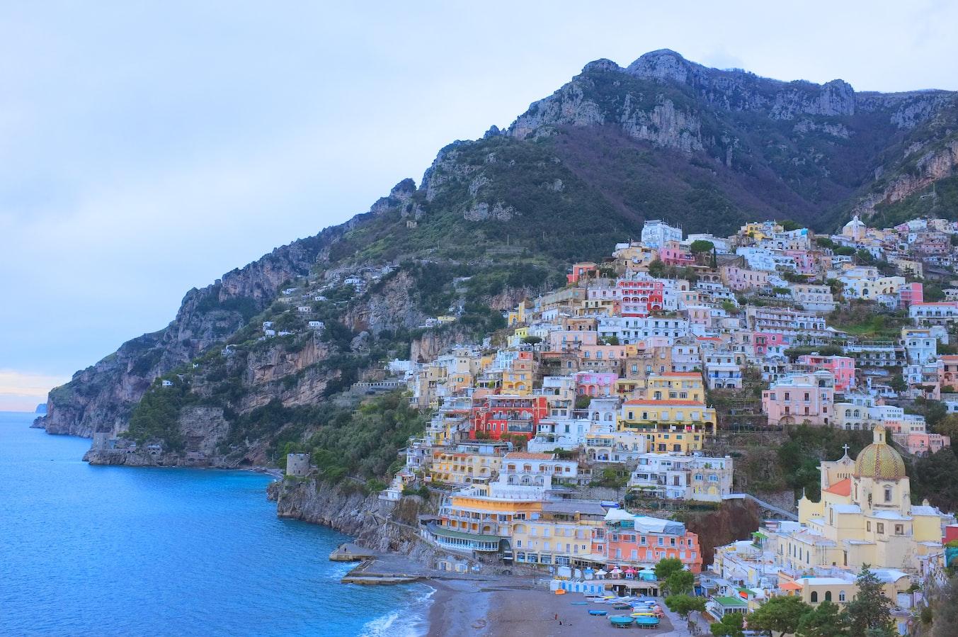 Châu Âu gồm những nước nào ? Du lịch châu Âu nên đi nước nào ? Mùa nào đẹp nhất ? Tất tần tật đều có trong bài viết này!!