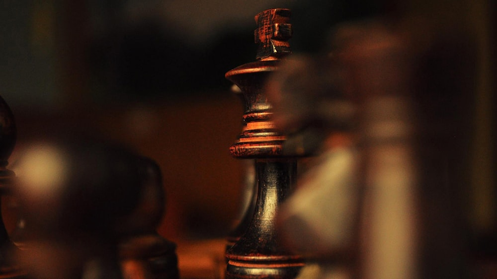 focu king and chess hd photo by shaunak deo shaunakdeo on unsplash