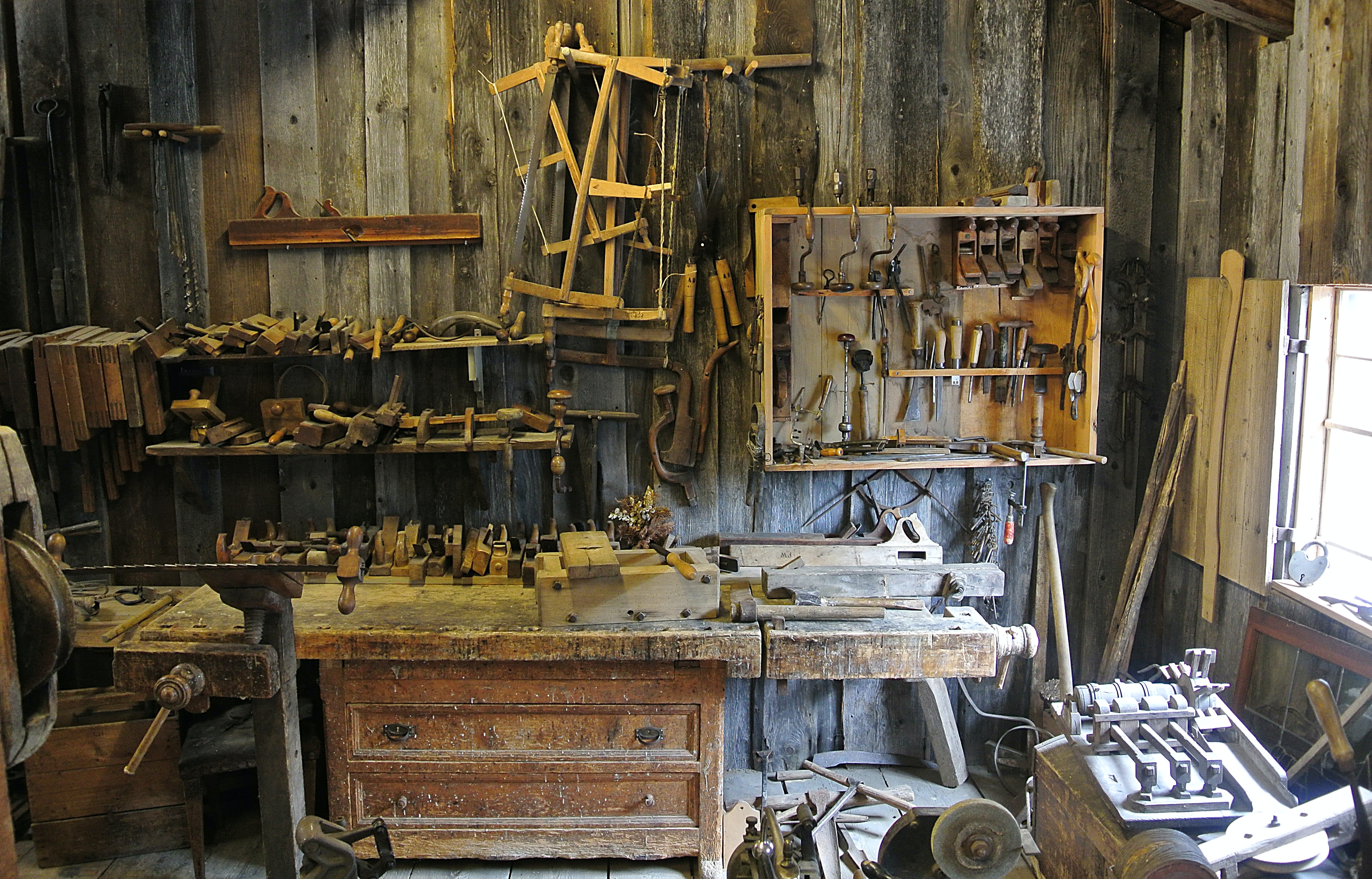 A well-equipped woodworker's workshop