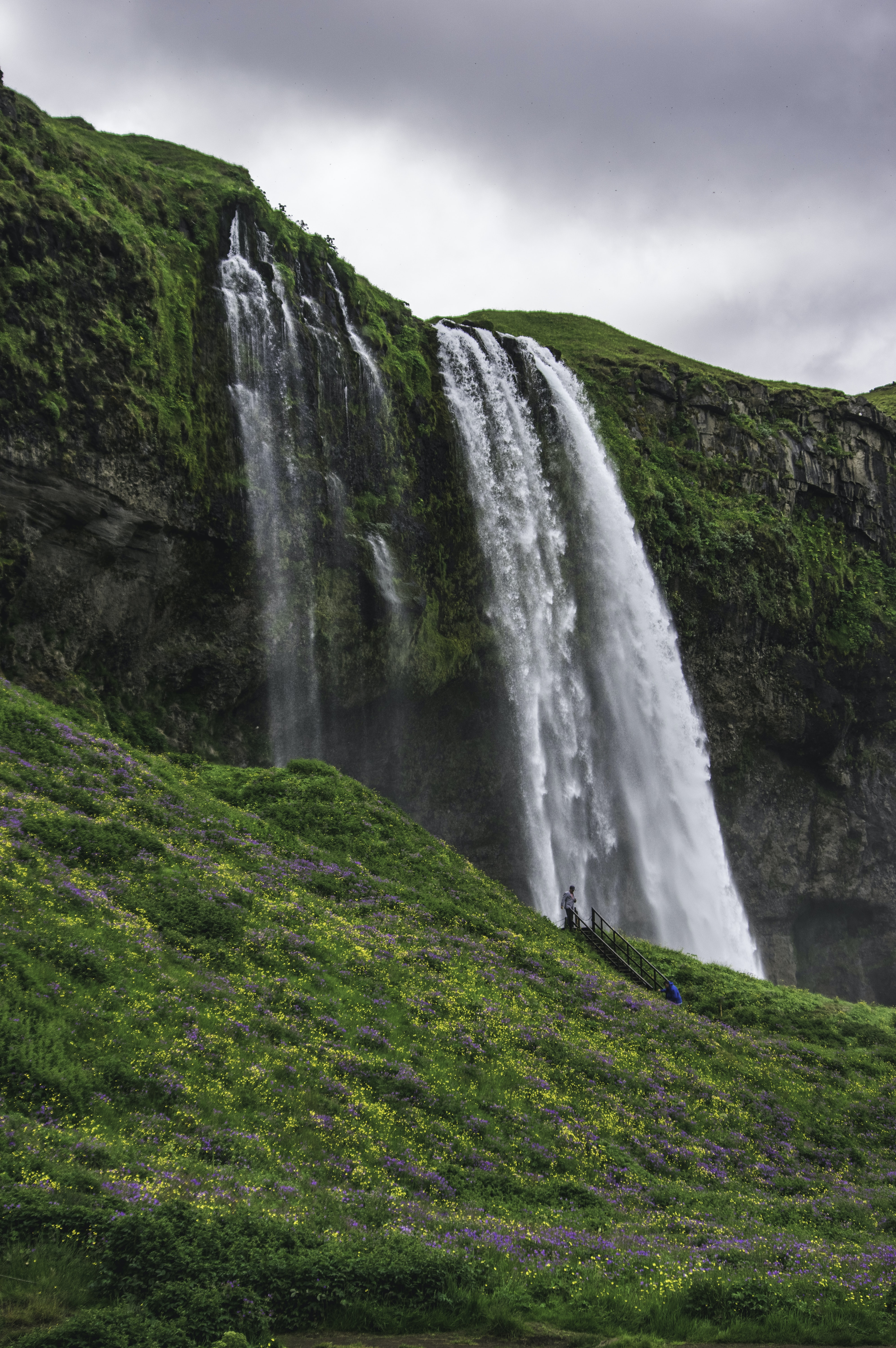 photography of waterfalls during daytime