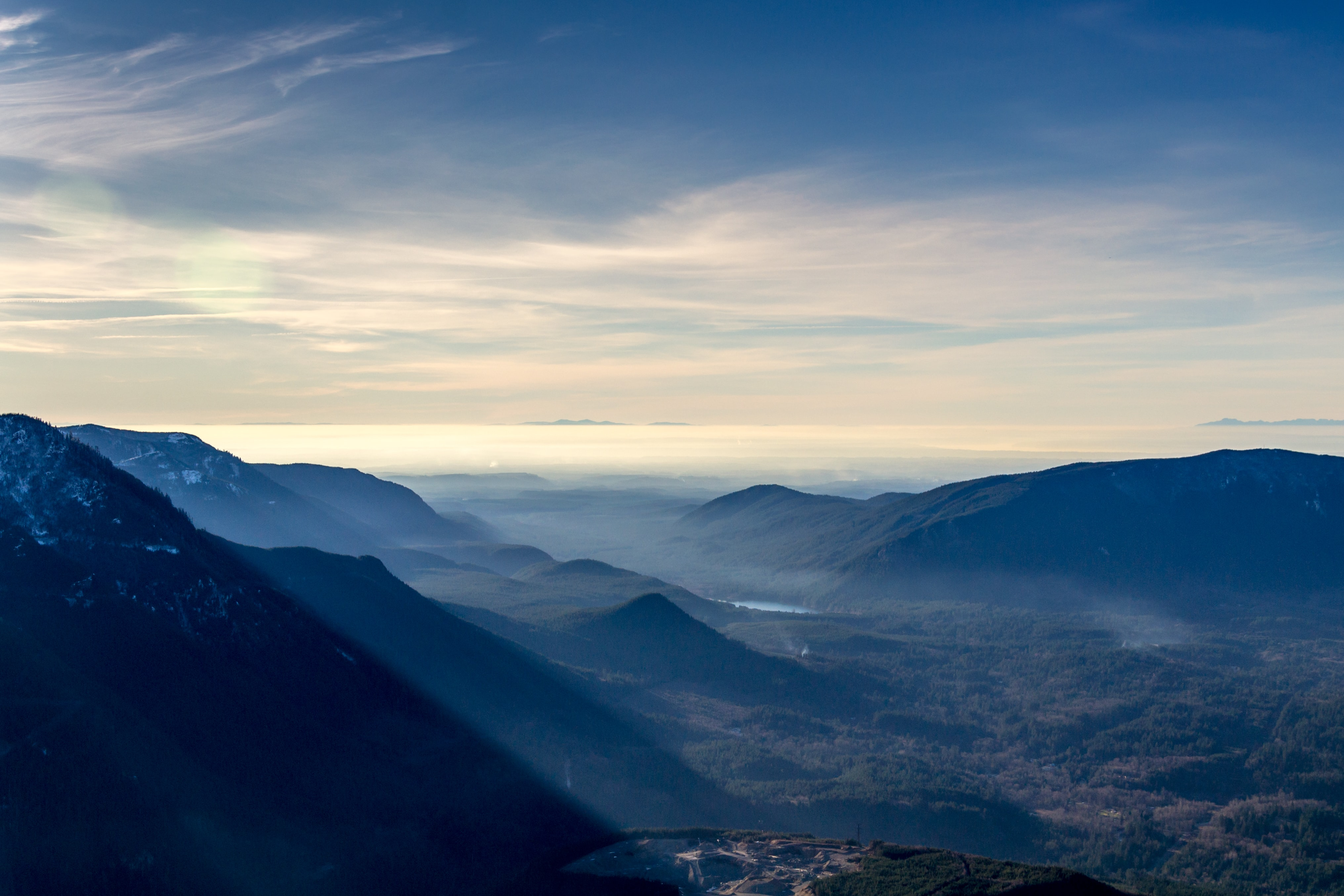 mountain covered by fogs