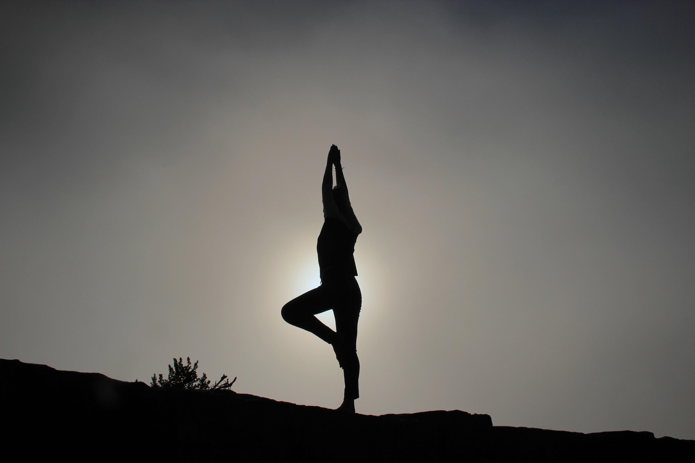 sanitarios, yoga