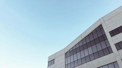 Why Is A Flat Roof Perfect For A Commercial Building?
