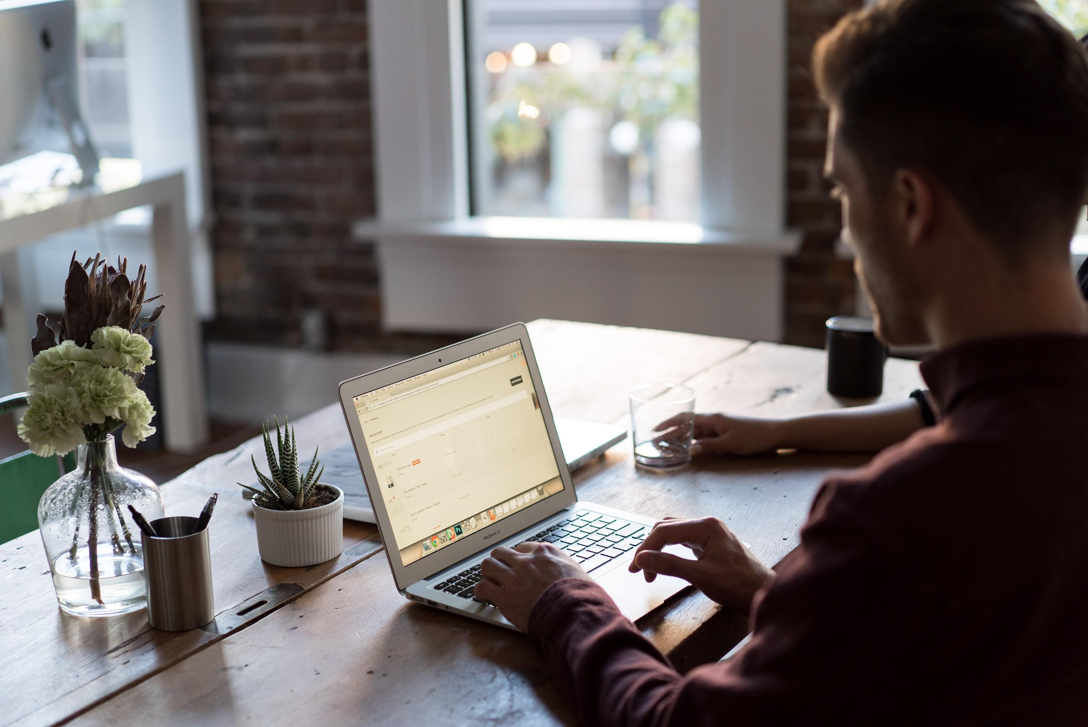 Kelebihan dan Kekurangan Bekerja Secara Remote