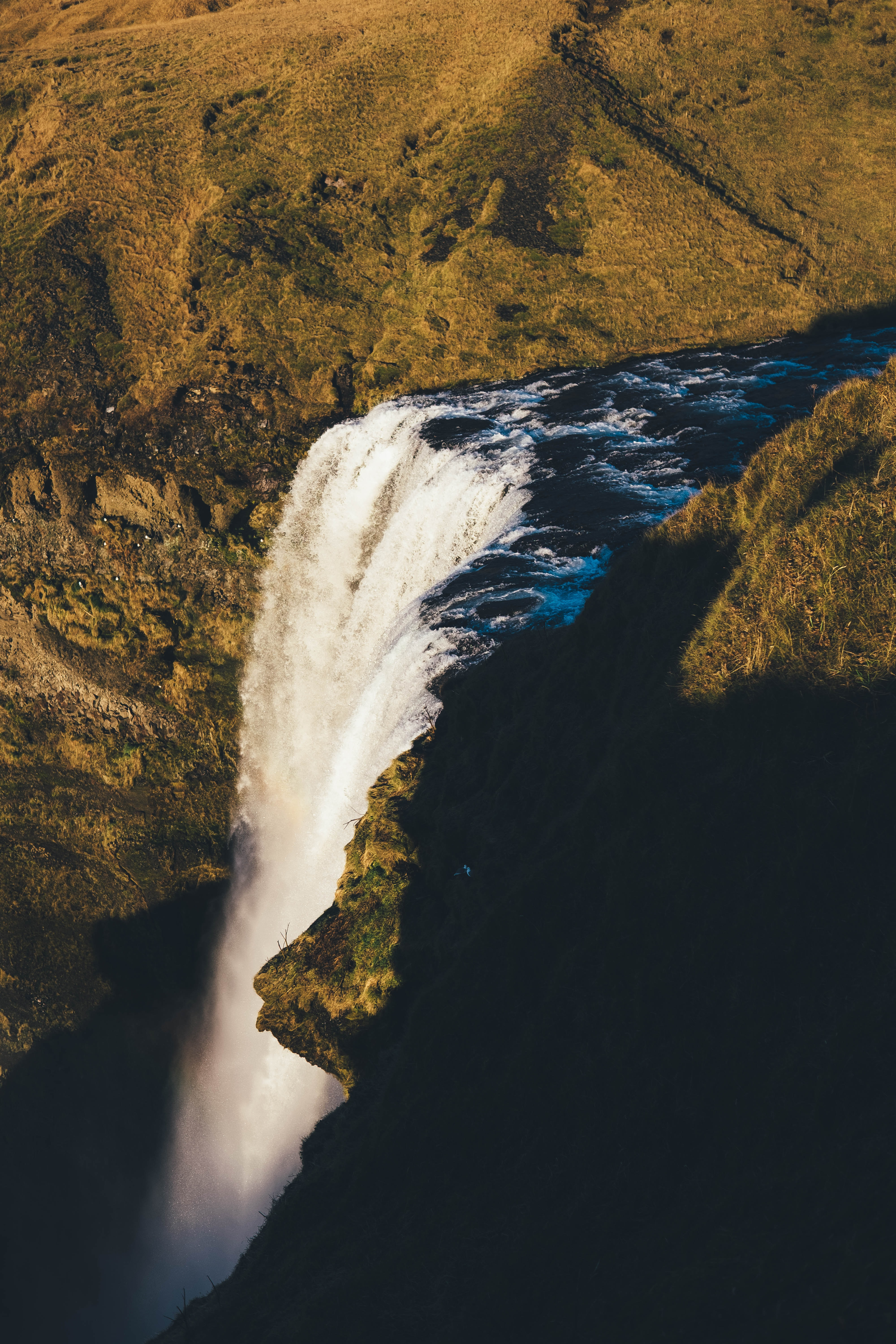 aerial photography of waterfalls at daytime