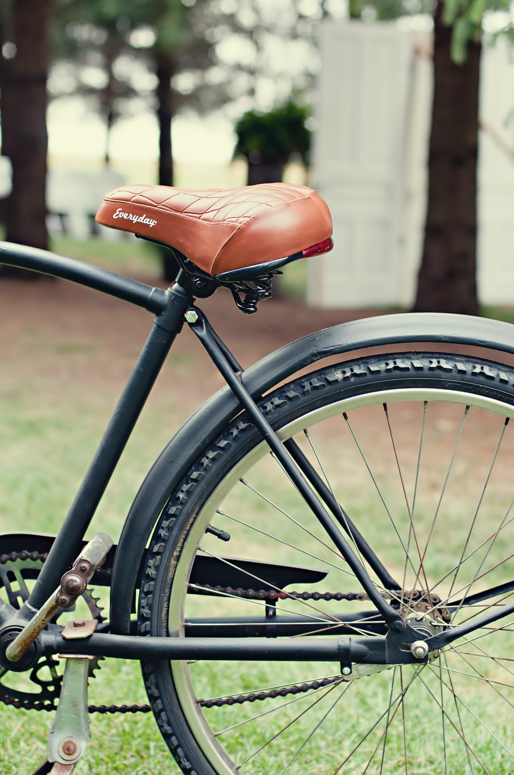 close view of bike with brown saddle